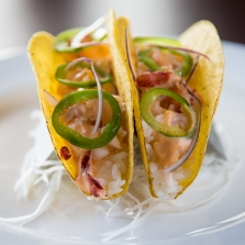 spicy tuna taco